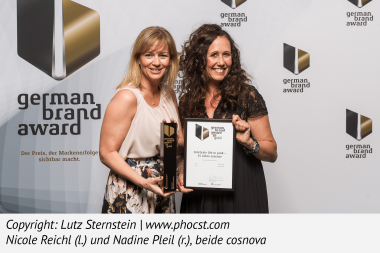 German Brand Award   (c)Lutz Sternstein www.phocst.com   Nicole Reichl(links) und Nadine Pleil (rechts), beide cosnova
